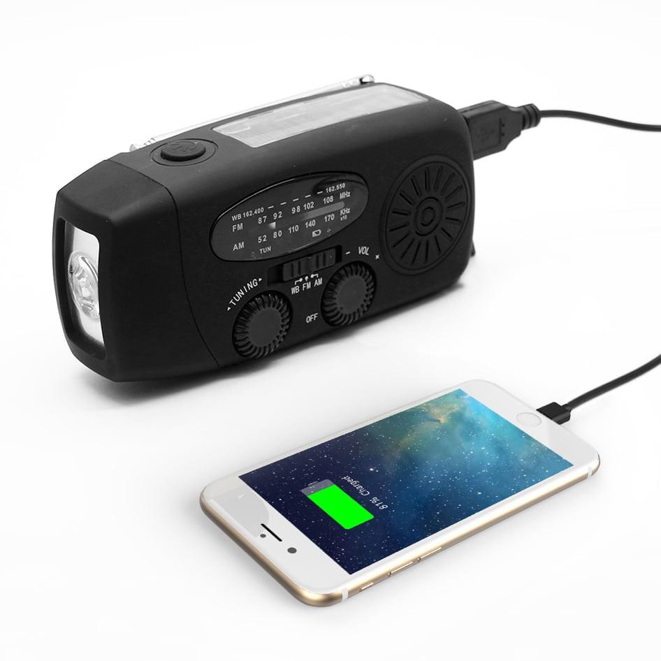Vevradio med mobilladdare och solceller
